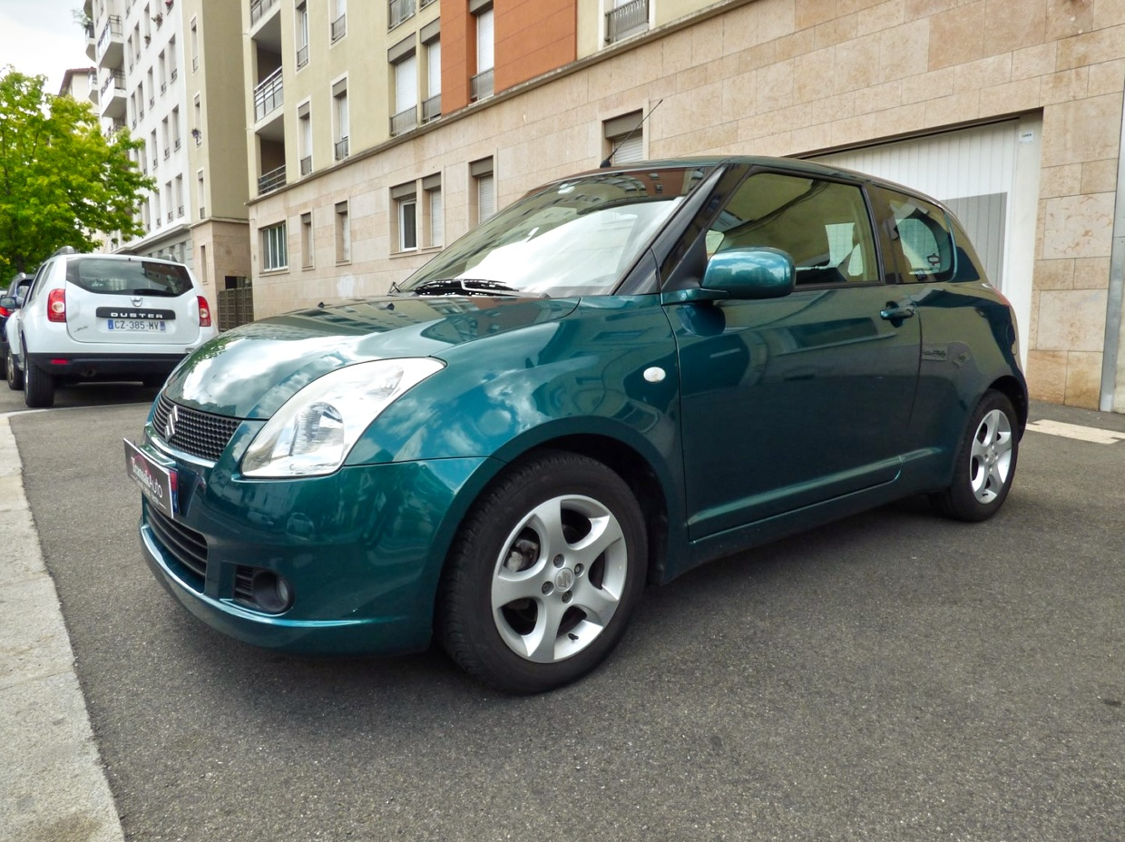 voiture suzuki swift 1 3 glx occasion essence 2007 90000 km 4490 lyon rh ne. Black Bedroom Furniture Sets. Home Design Ideas